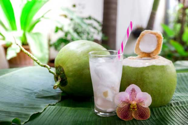 Top 10 way To Benefits Of coconut water is effective for health and skin